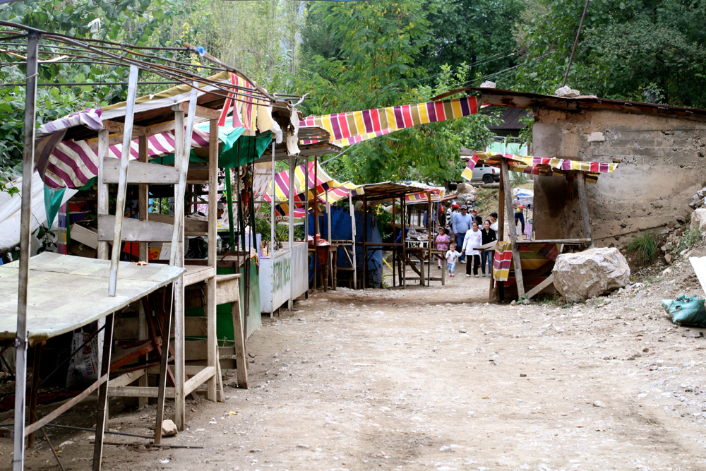 BLOG-MODE-HOMME-guide-voyage-travel-kyrgyzstan-kirghizistan-arsanlob-osh-djalalabad - 2
