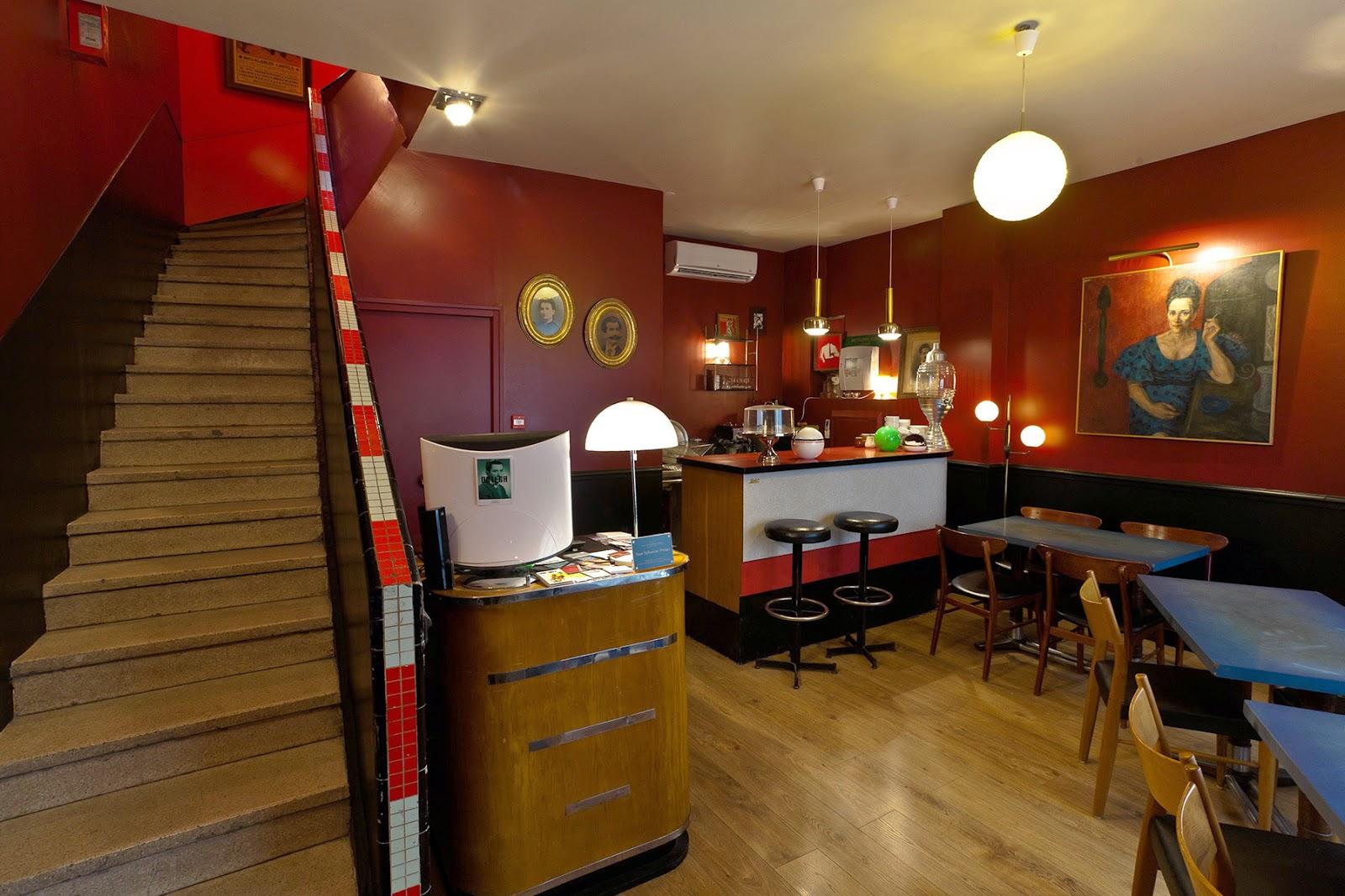 Mid-Century und Atomic Age Design in verschiedenen Farben - Schlafzimmer testen im Casa Ortega in Marseille!
