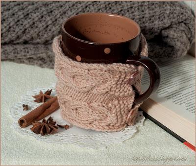одежка для кружки, горячий чай не страшен, теплая кружка, вязанный чехол для чашки,