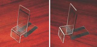 Podstawka z plexi z paskami magnetycznymi
