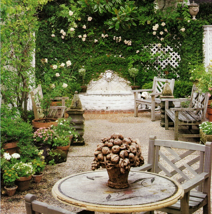 Romantic Garden Design: Vignette Design: Outdoor Living Room Inspiration