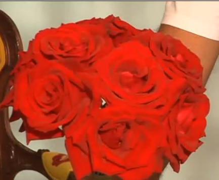 buque-flores-rosas-vermelhas-passo-a-passo