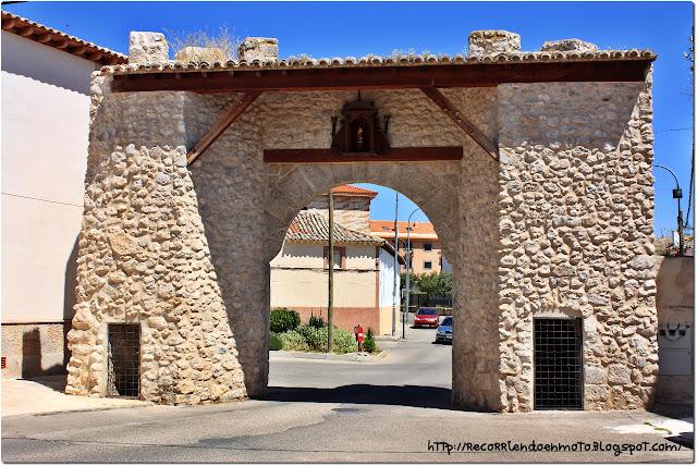 Puerta de Ocaña o de San Cristóbal, Yepes