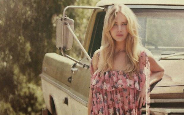 15 Super Hot Wallpapers of Jennifer Lawrence
