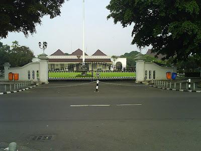 Profil Istana Gedung Agung Jogja