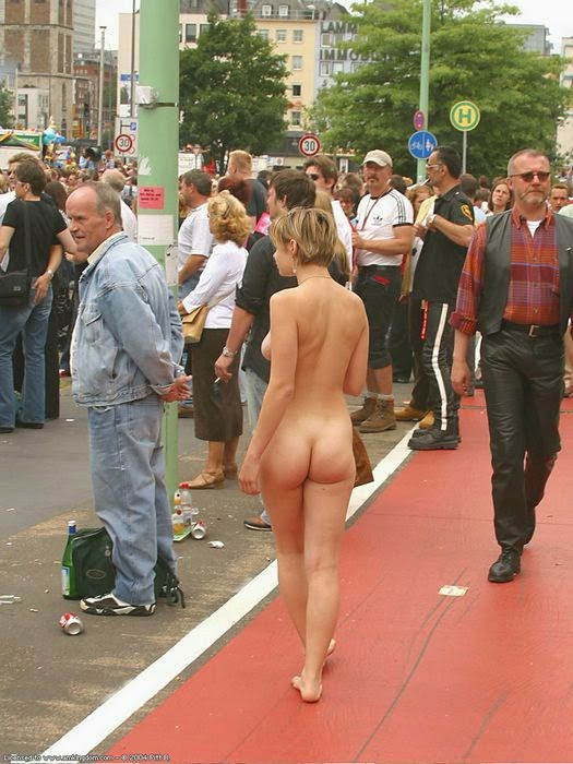 Think, that Women accidentally fully naked in public