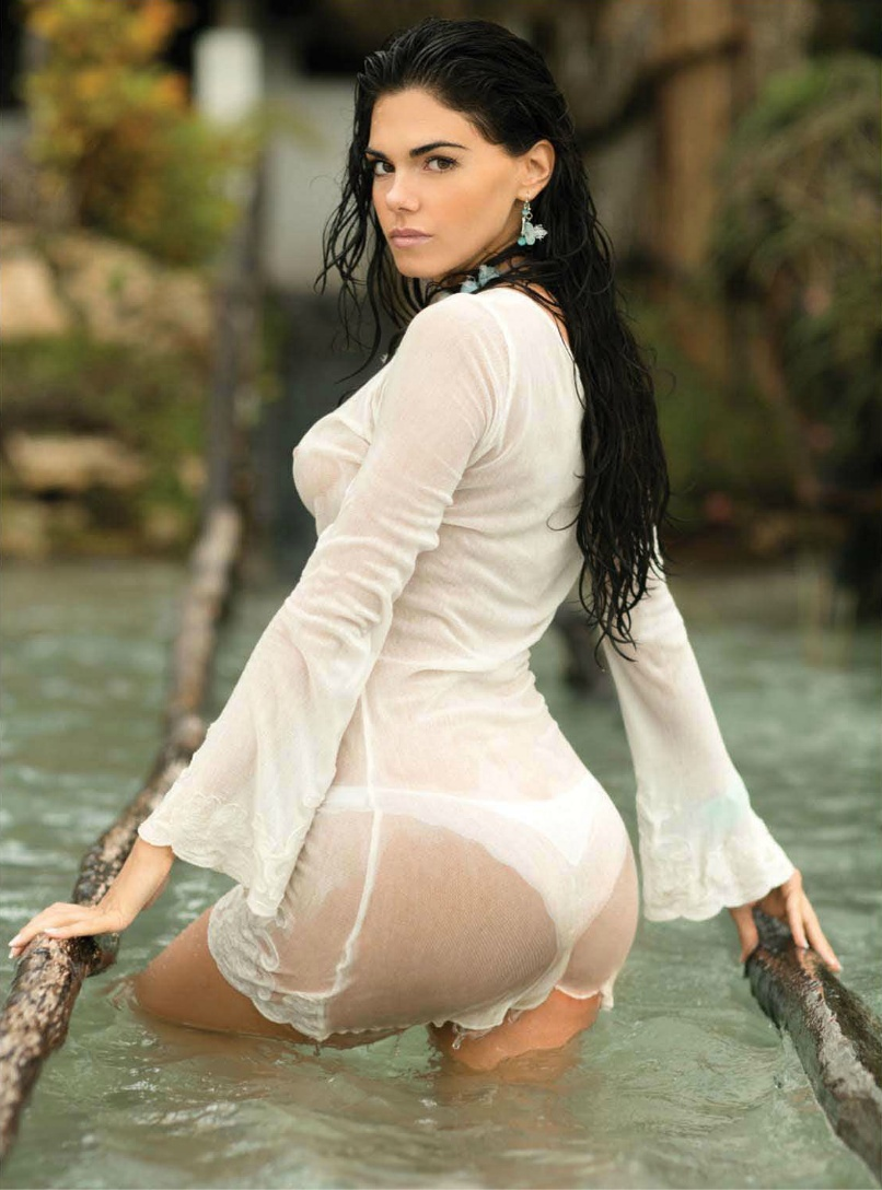 Gallery images and information: Livia Brito 2013