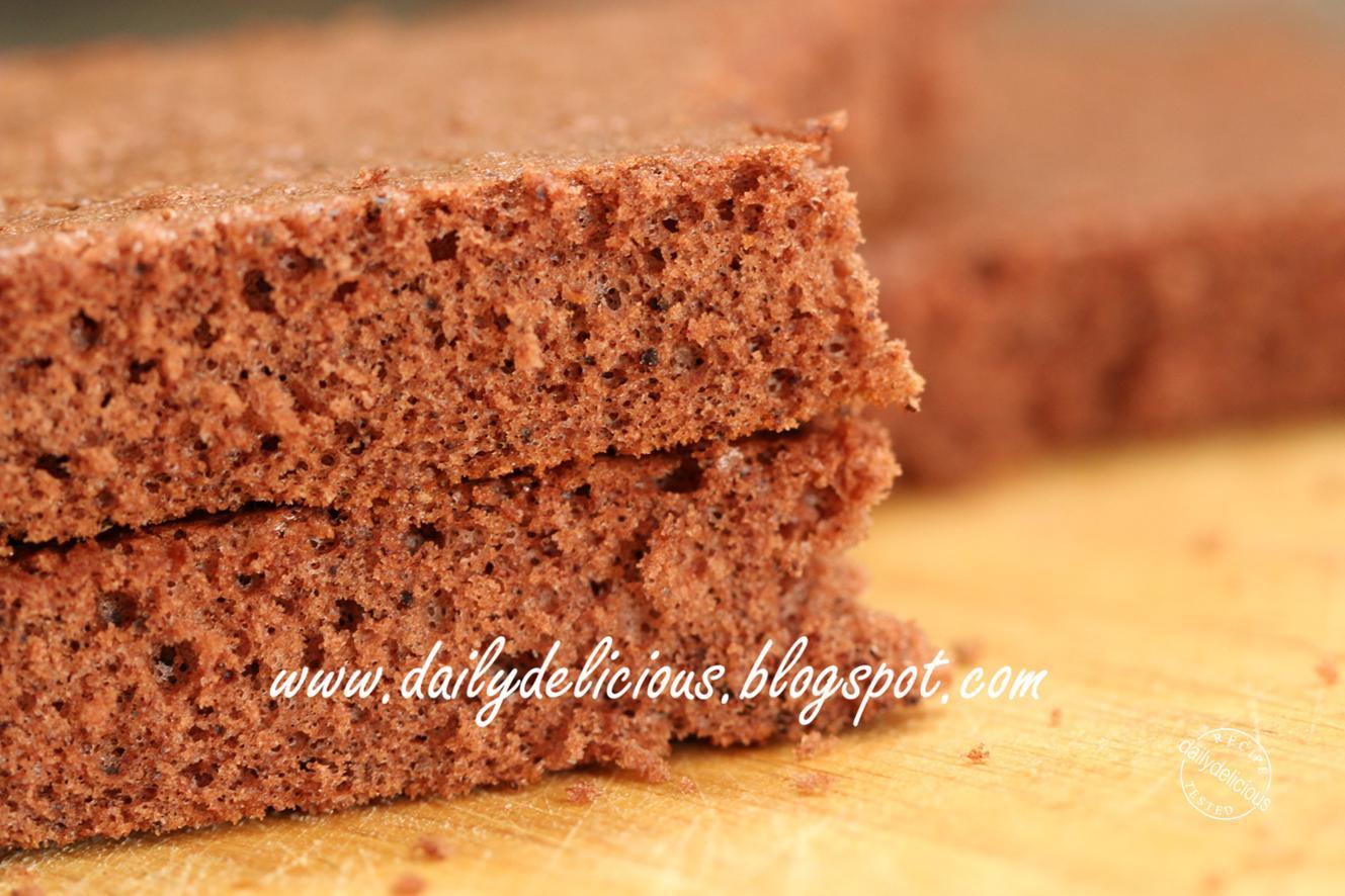dailydelicious: Basic Chocolate Sponge Cake