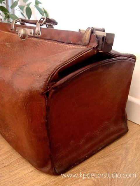 Venta de maletines antiguos de cuero y cartón de los años 50