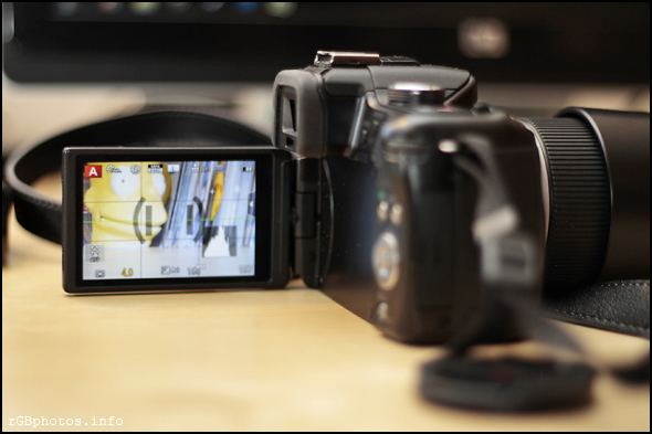 Fotografia del monitor touch screen della Panasonic G5