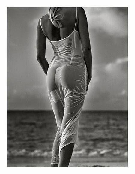 Ela e o mar.