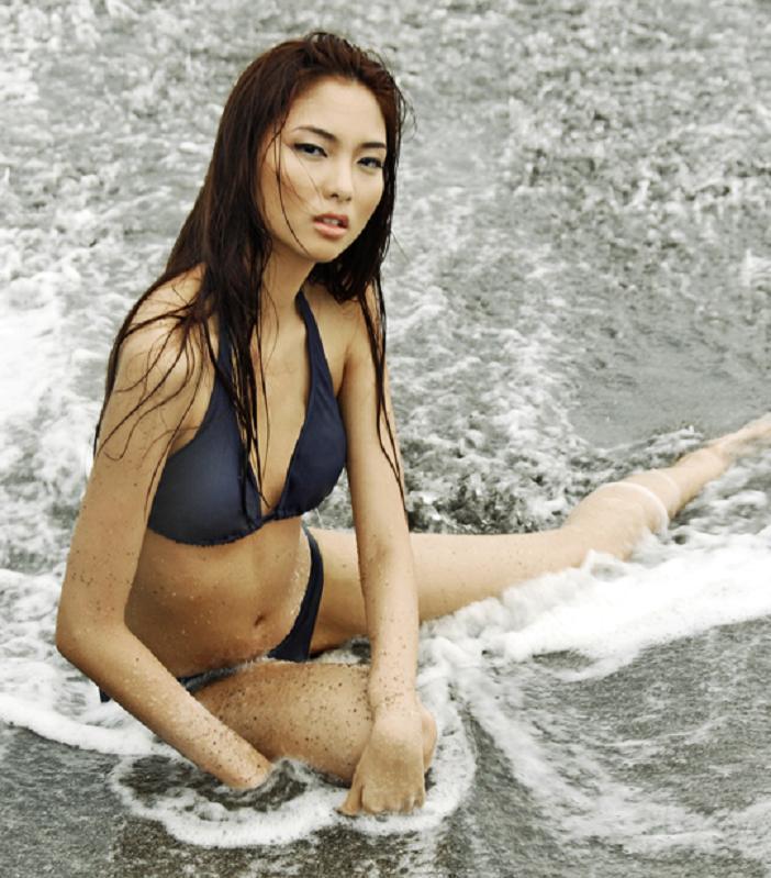 sexy filipina in bikini 05