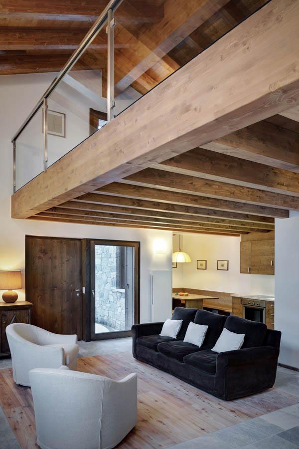 salon con doble pavimento piedra madera