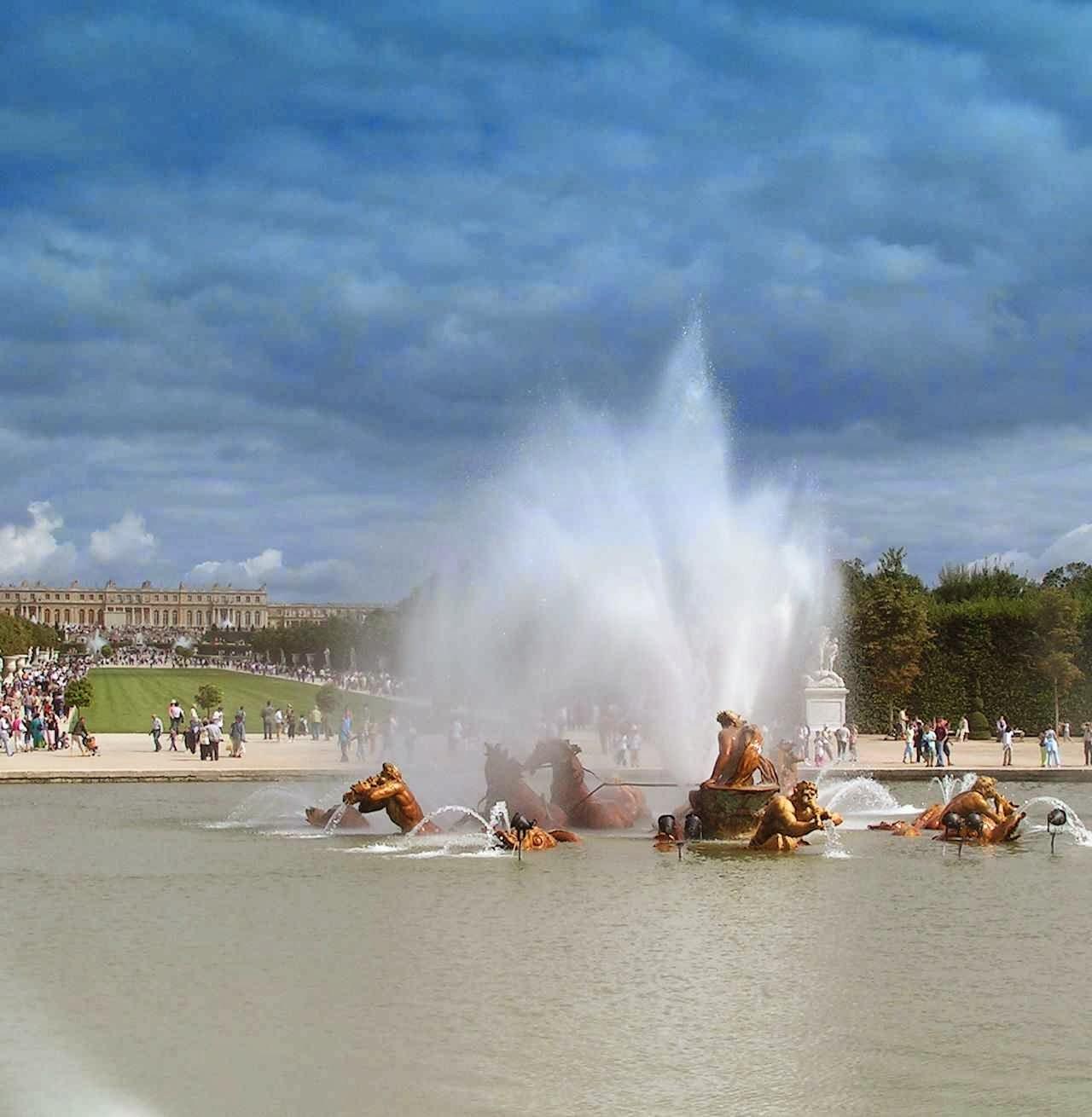 Fonte de Apolo em Versailles: armonia de todos os elementos naturais