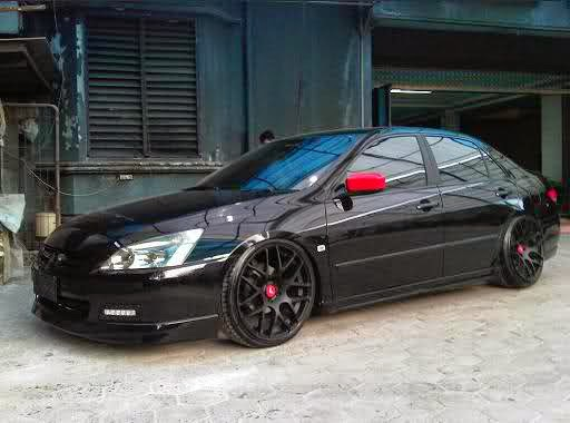Modifikasi Honda Accord Hitam