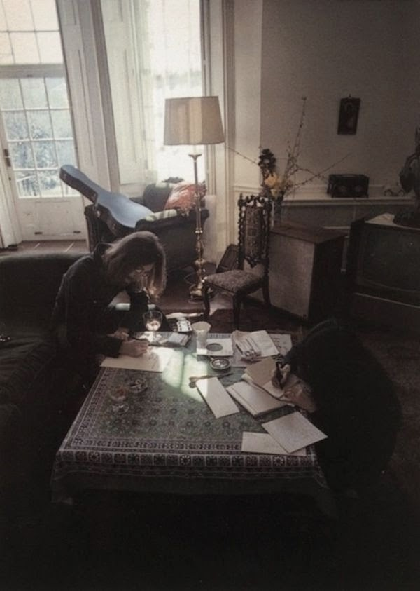 Workspaces Of The Greatest Artists Of The World (38 Pictures) - John Lennon & Yoko Ono, songwriters and artists