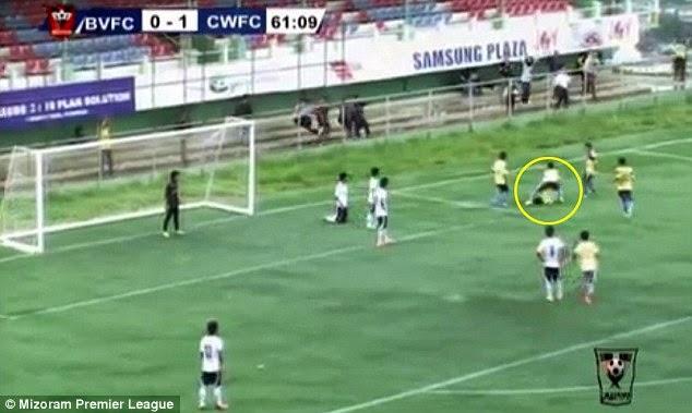 Video Pemain bola maut ketika raikan gol jaringan nya