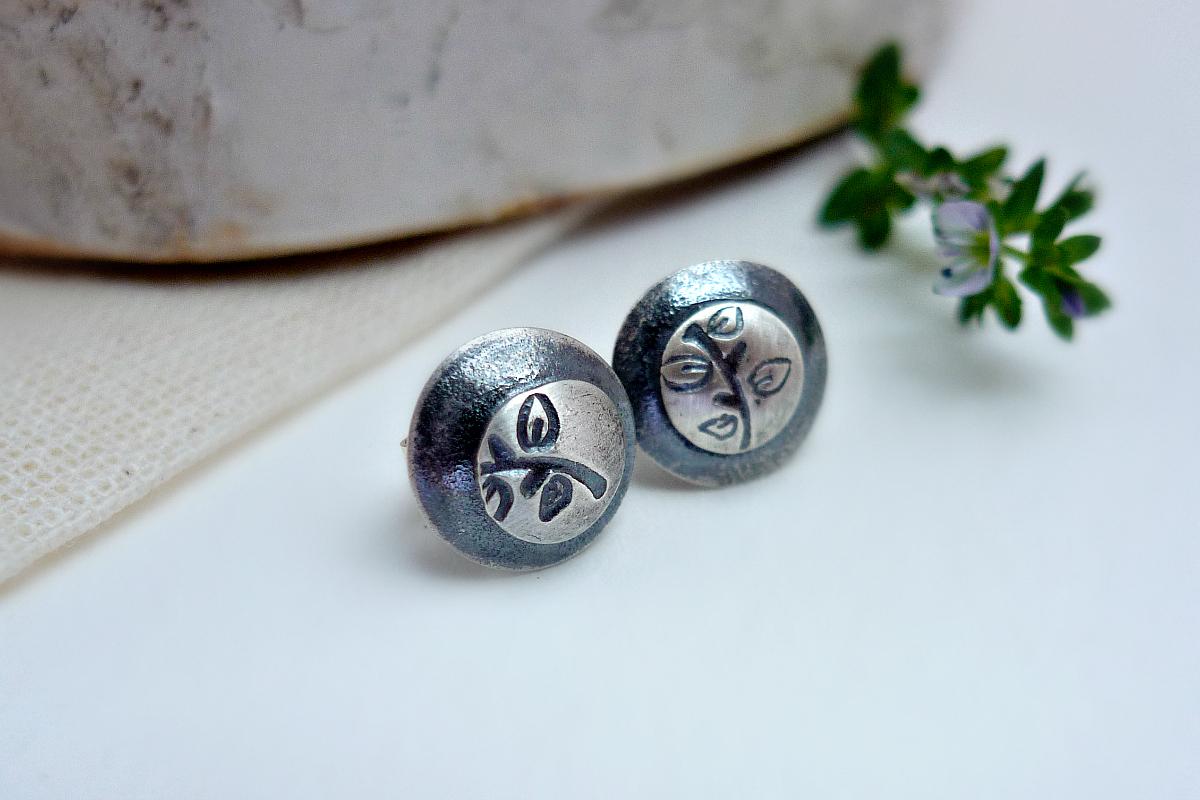 Bud Post earrings