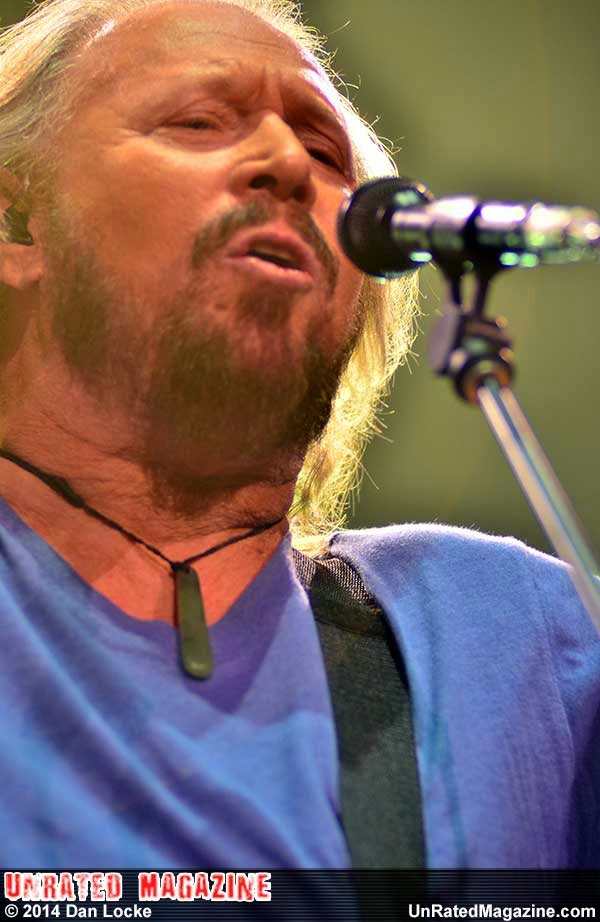 Barry Gibb Is Not Alone from Chicago's United Center
