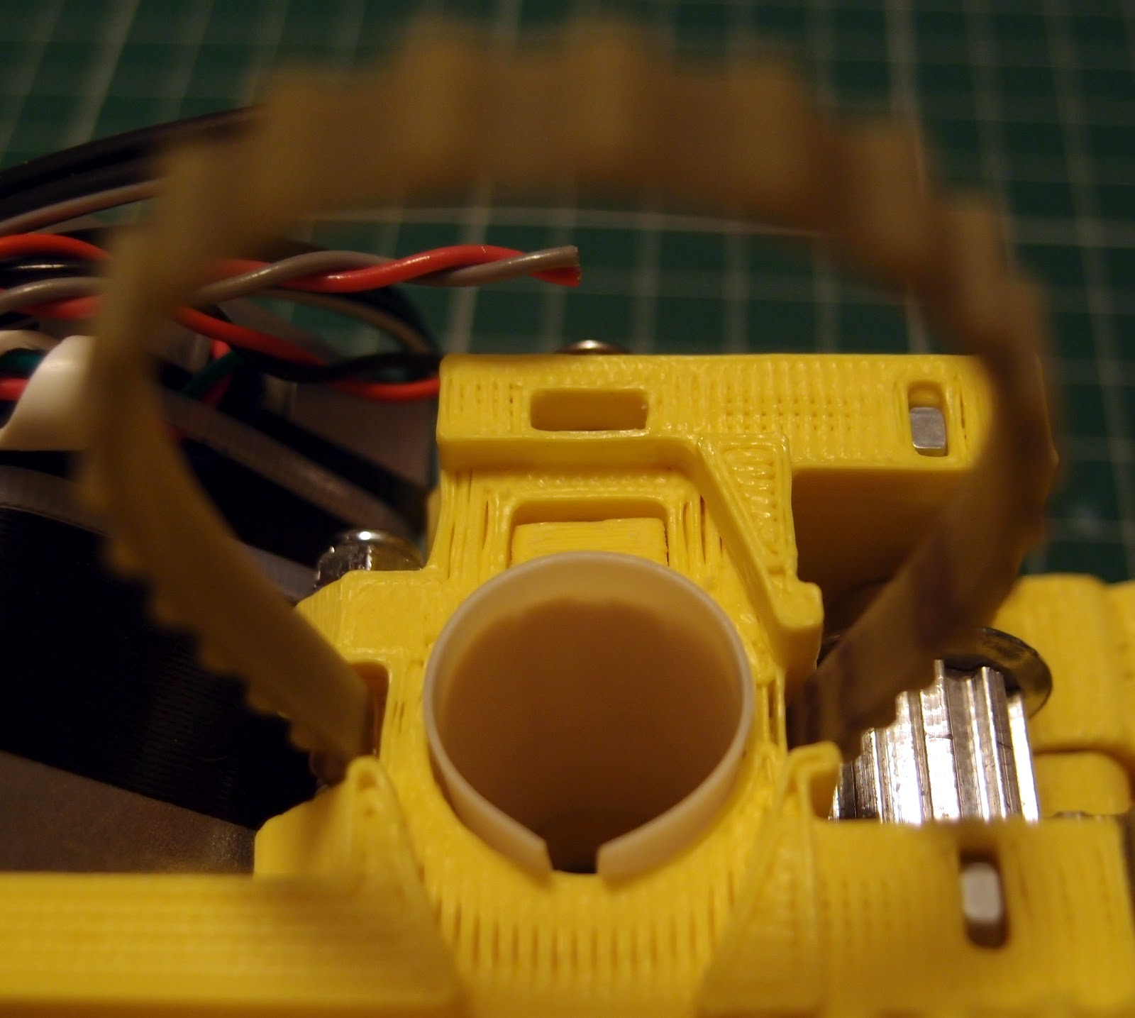 Universal Paste extruder - Ceramic, Food and Real Chocolate 3D Printing...