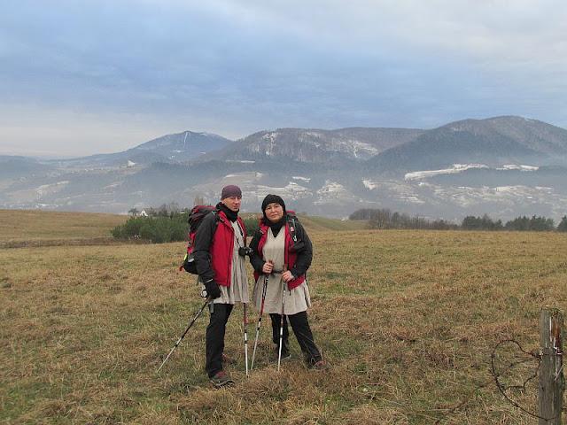 Południowy stok Lubogoszcza z widokiem na Szczebel i Luboń Wielki.
