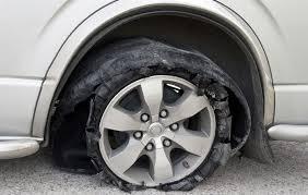 2 Langkah Pencegahan dan Antisipasi Ban Mobil Pecah Di Jalan