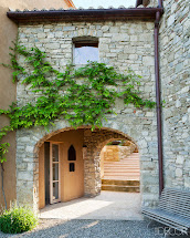 Italian Farmhouse Courtyard