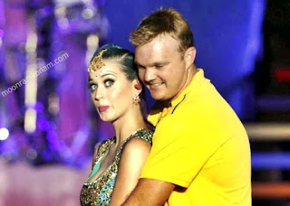 IPL 5 Katy Perry Doug Bollinger