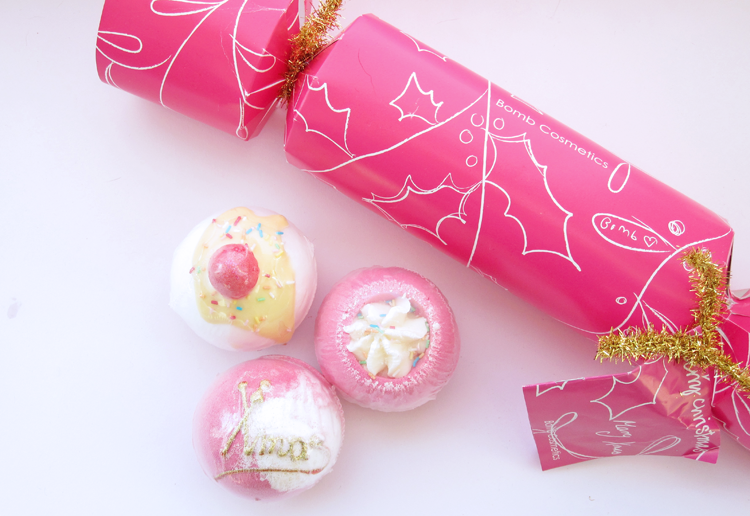 Bomb Cosmetics Berry Christmas Cracker Gift Set