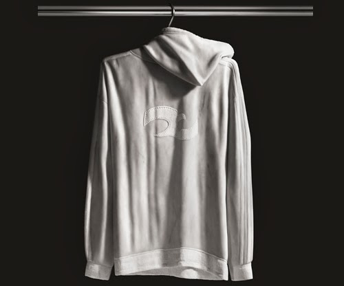 05-Hoodie-Top-2-Australian-Sculptor-Alex-Seton-www-designstack-co