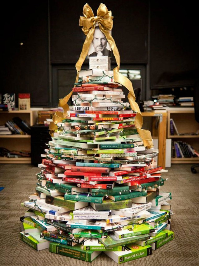Árvores de Natal Baratas e Criativas + Árvores de Natal feita com Livros