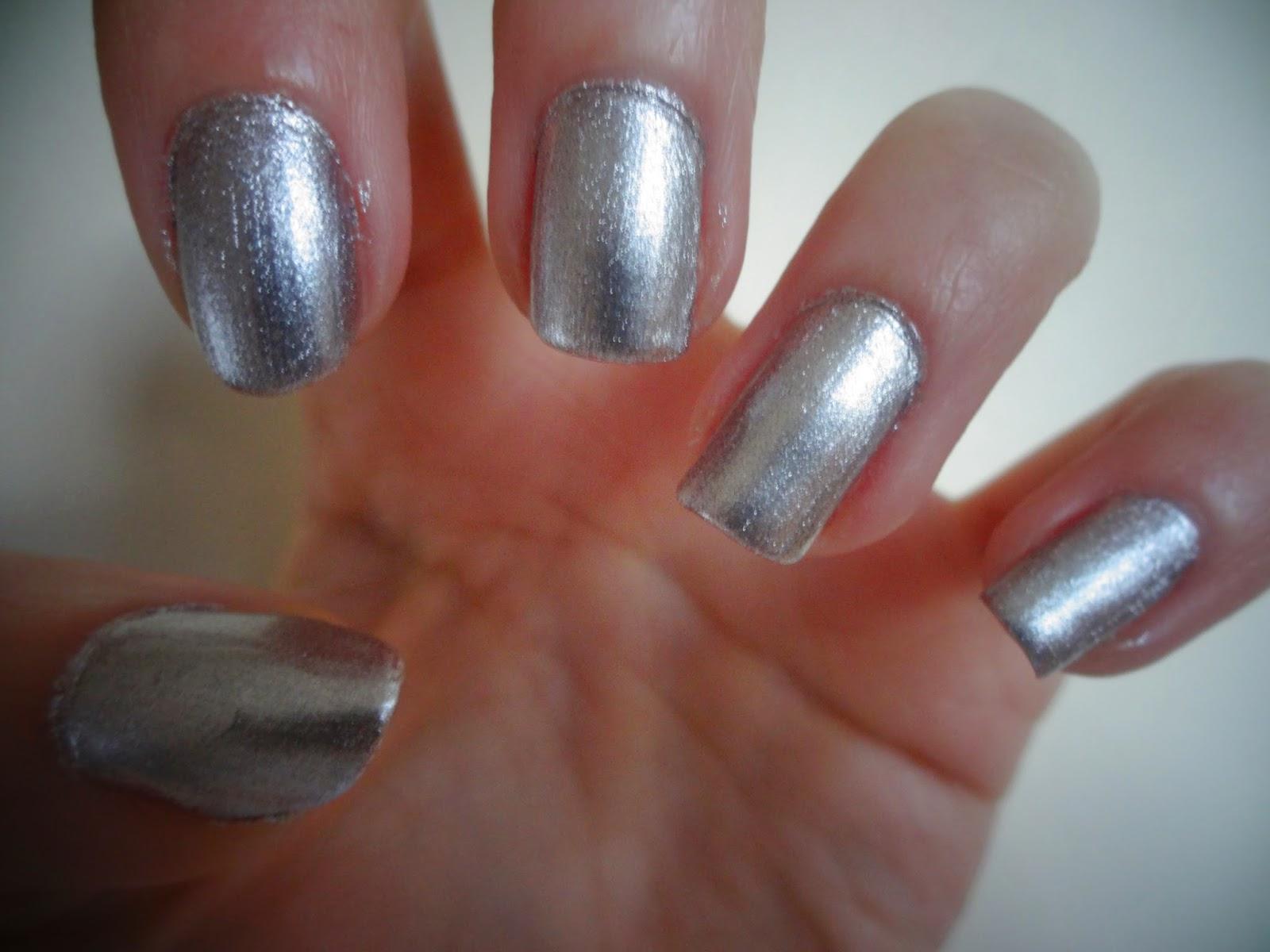 NOTD: Shiny Silver Nails