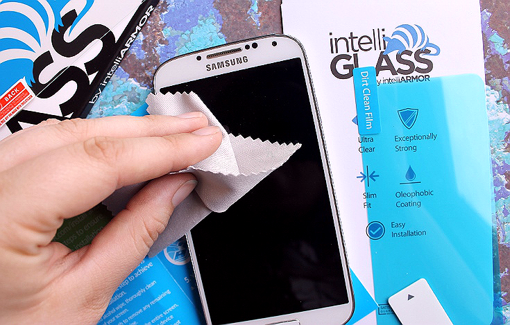 The #intelliGLASS screen protector by intelliARMOR is easy to instal in minutes and instantly makes smartphones more responsive (over traditional screen protectors) while protecting with a schock absorble glass core. #sponsored