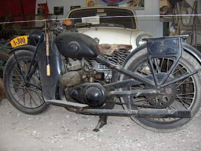 Vintage Motorcycles Seen On www.coolpicturegallery.us