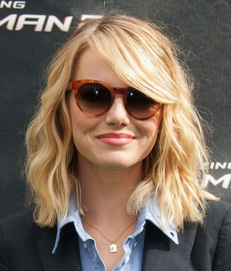 Style rambut wanita sebahu terkini
