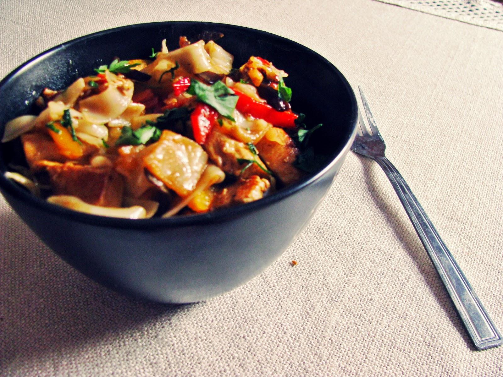 Makaron ryżowy z indykiem i warzywami - BEZGLUTENOWE!