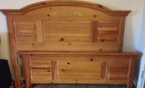Broyhill Pine Bedroom Furniture : Bazaar: Broyhill Fontana solid pine queen or full size bed $200
