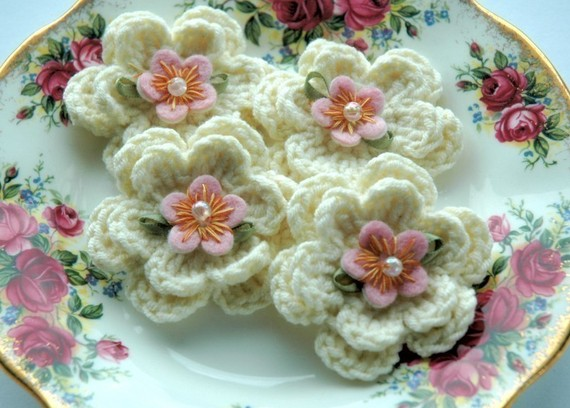 How to Make a Crocheted Flowers
