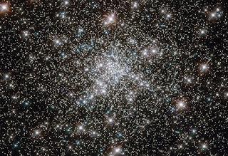 Молодые звезды древнего скопления - NGC 6752