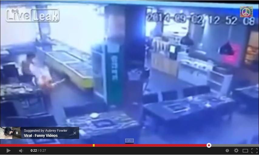 Video Kekasih Terbakar Di Kedai Steamboat, info, terkini, berita, sensasi, video viral,