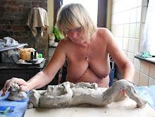Annick sculpte