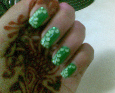 flower nails design by pari sangha