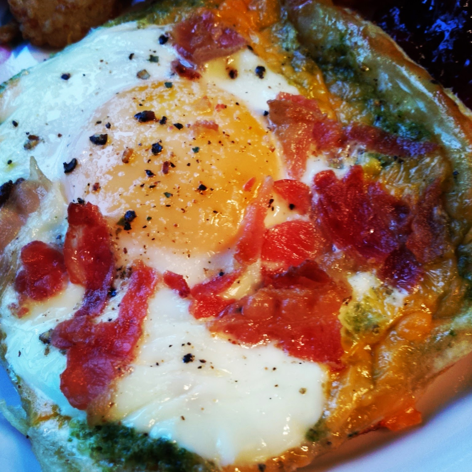 Mika's Pantry: Pesto Puff Pastry Eggs with Bacon and Cheese