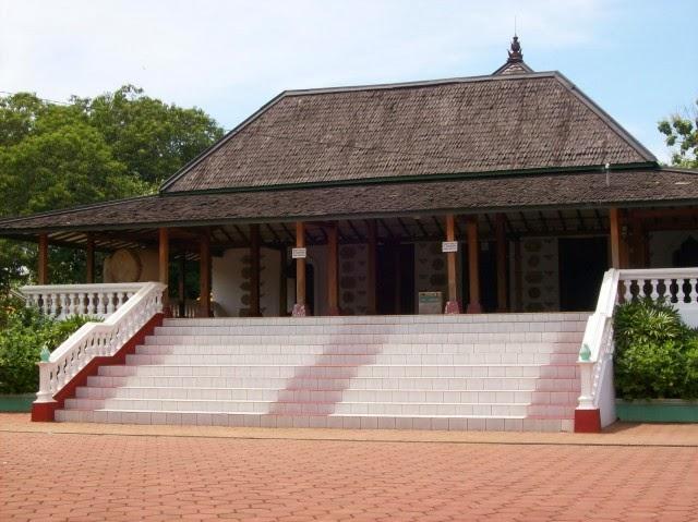 Masjid Mantingan - 1559