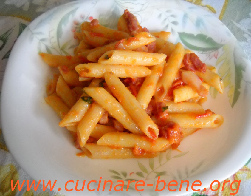 Penne All'Arrabbiata Con Panna Recipe — Dishmaps