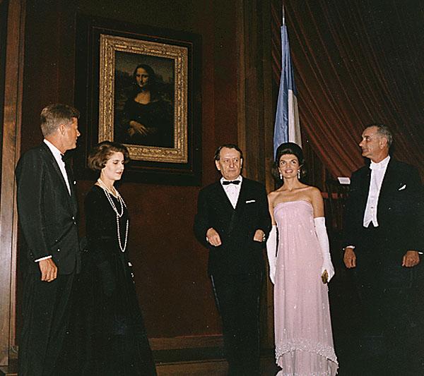 Grace Intemporelle by Natalia John, Jackie, el Ministro de la Cultura de Francia André Malraux, L.B. Johnson con la Mona Lisa en 1963, en la National Gallery.