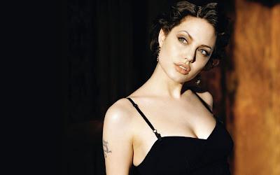 actress_angelina_jolie_hot_wallpapers_page4angels.blogspot.com