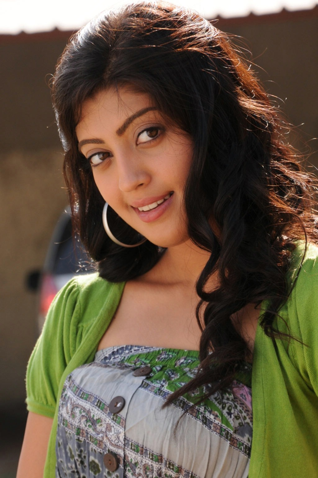 South Indian Actress Pranitha Beautiful Photos Sureshvts