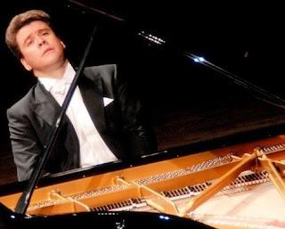 הפסנתרן דניס מצויב בישראל - אפריל 2016