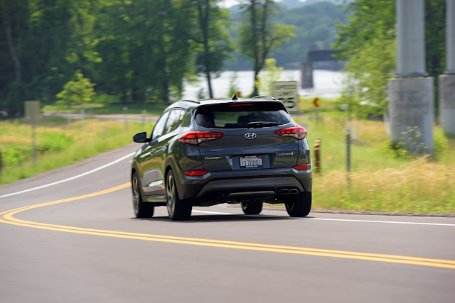 Rear view of 2016 Hyundai Tucson Sport